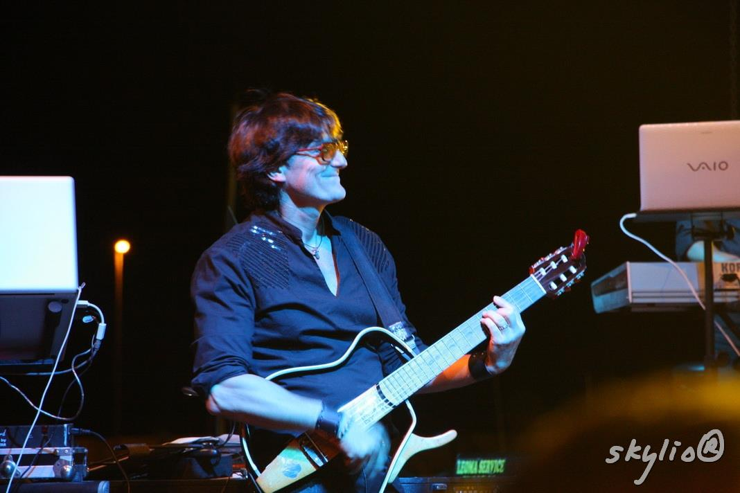 paolo guitar 1